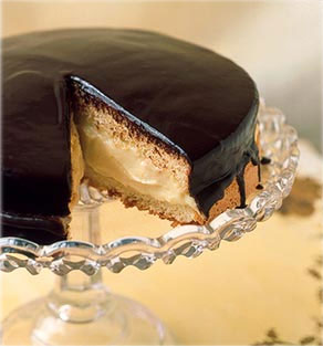 boston creme cake
